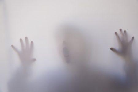 La niña encerrada en el sótano
