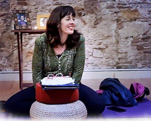 Gratitud y devoción, Isabel en intensivo de Barcelona 2018 en actitud de agradecimiento