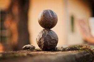 una piedra sobre otra conforman el soporte, la experiencia de la meditación